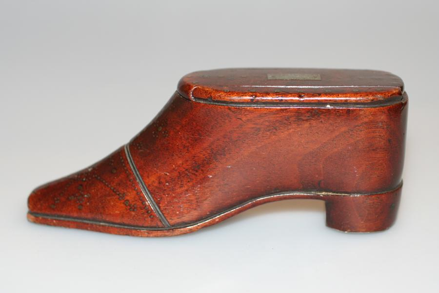 Snuff Box - Rare Georgian Mahogany Snuff Shoe