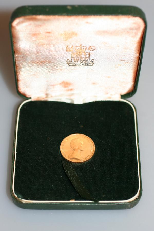 Isle Of Man Gold Half Sovereign in Case
