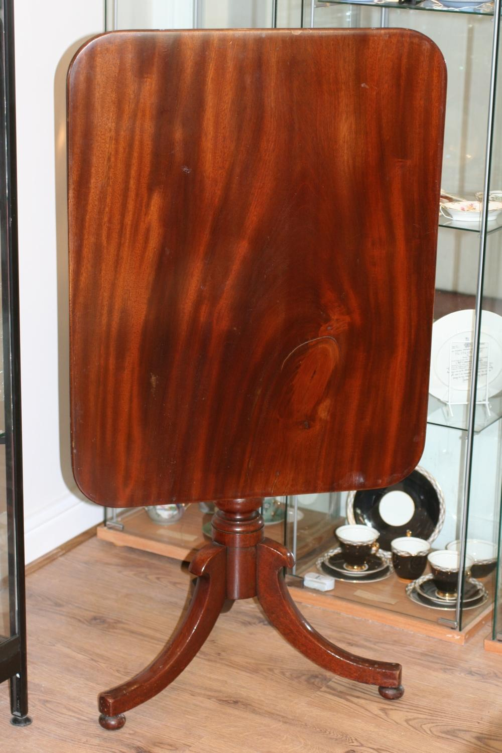 Victorian Mahogany Tilt-Top Table