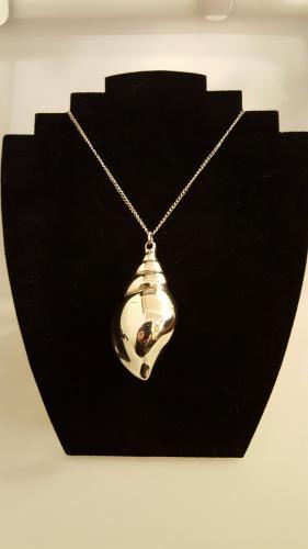 Vintage Silver Plated Shell Pendant and Chain